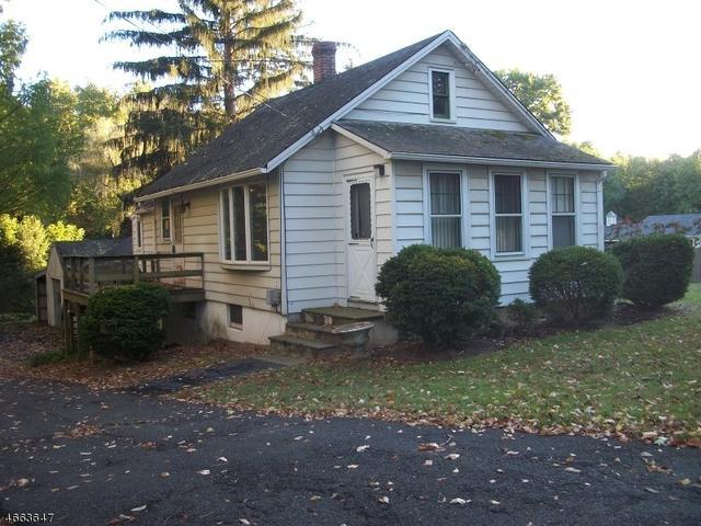 52 Blue Mill Rd, Morristown, NJ 07960