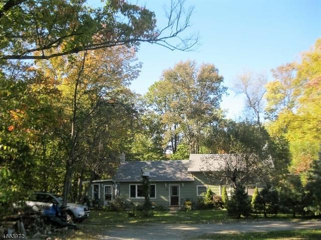 25 E Shore Lake Owassa Rd, Newton, NJ 07860