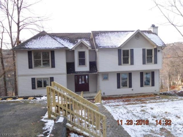 515 E Shore Trl, Sparta, NJ 07871