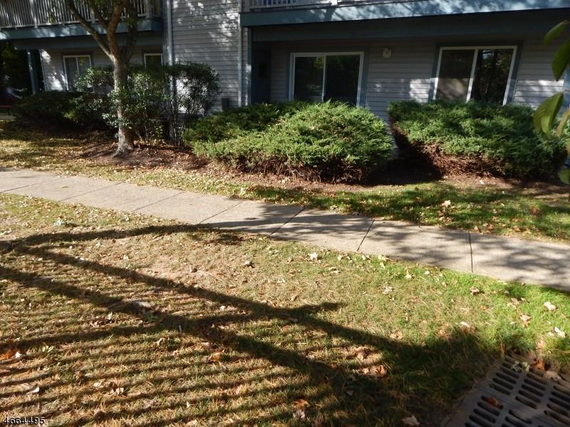 19 Garden Court, Succasunna, NJ 07876