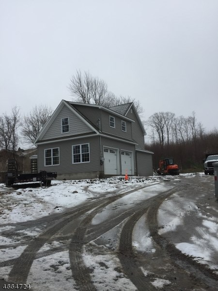 48 Salmon Road, Landing, NJ 07850