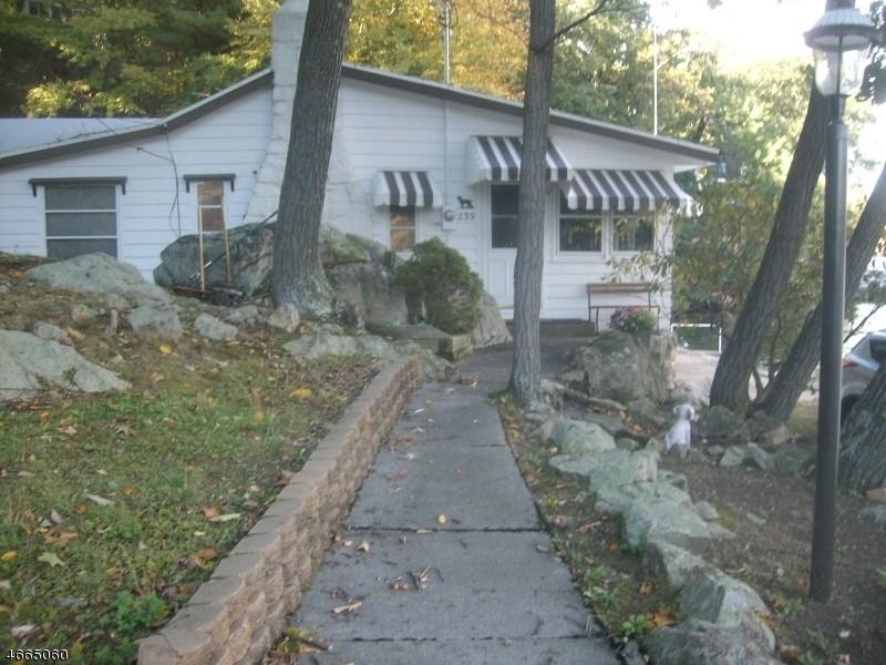 239 Squaw Trail, Andover, NJ 07821