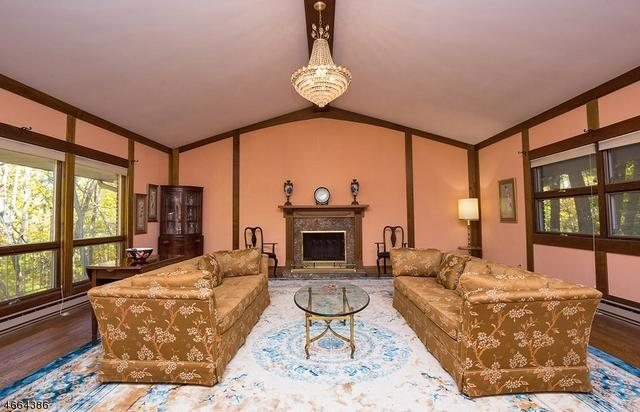 15 Wehrli Rd, Long Valley, NJ 07853