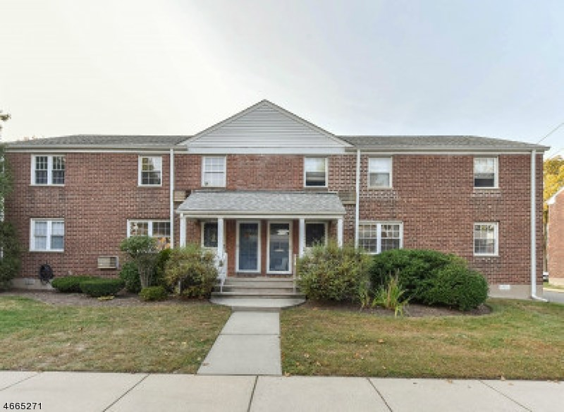 108 Darwin Ave, Rutherford, NJ 07070