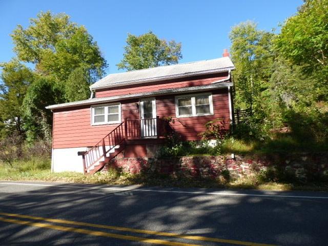 23 Lenape Rd, Andover, NJ 07821