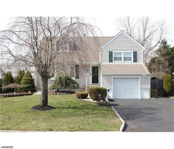 18 Burgess Ave, Spotswood, NJ 08884