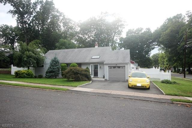 176 Elizabeth Ct, New Milford, NJ 07646