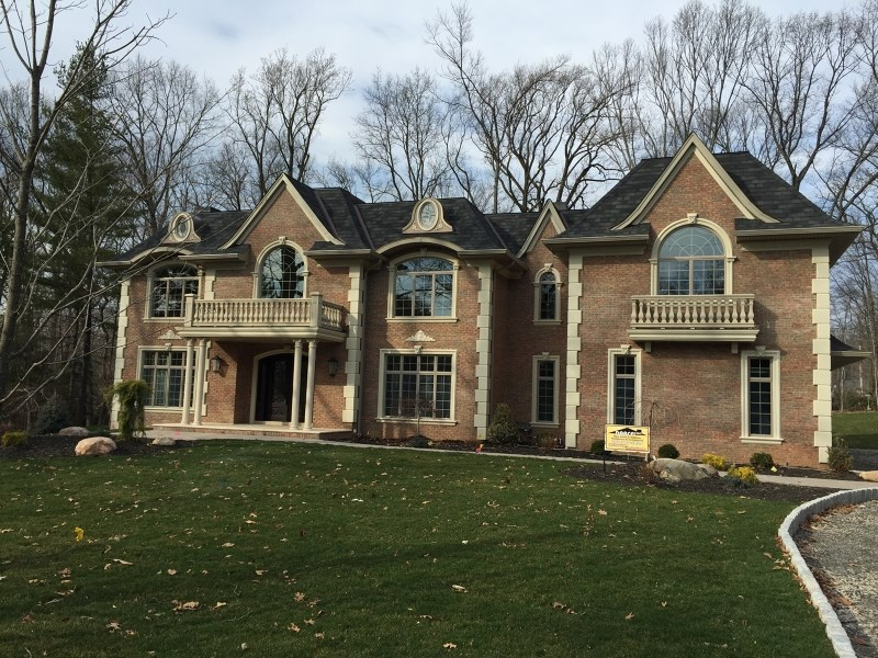 69 Locust Ln, Upper Saddle River, NJ 07458