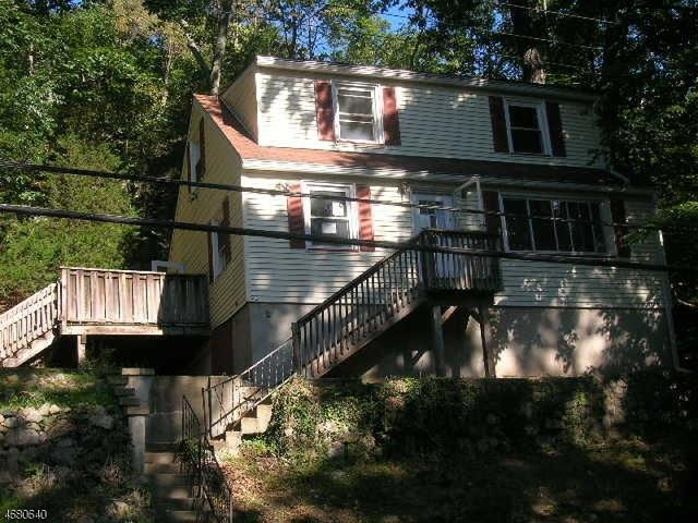 202 Skyline Lakes Dr, Ringwood, NJ 07456