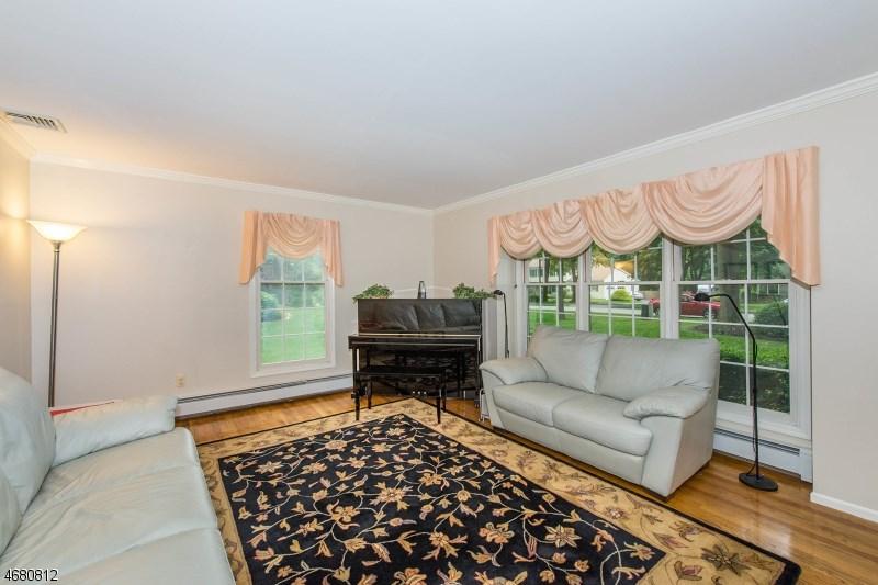 15 Berry Lane, Randolph, NJ 07869