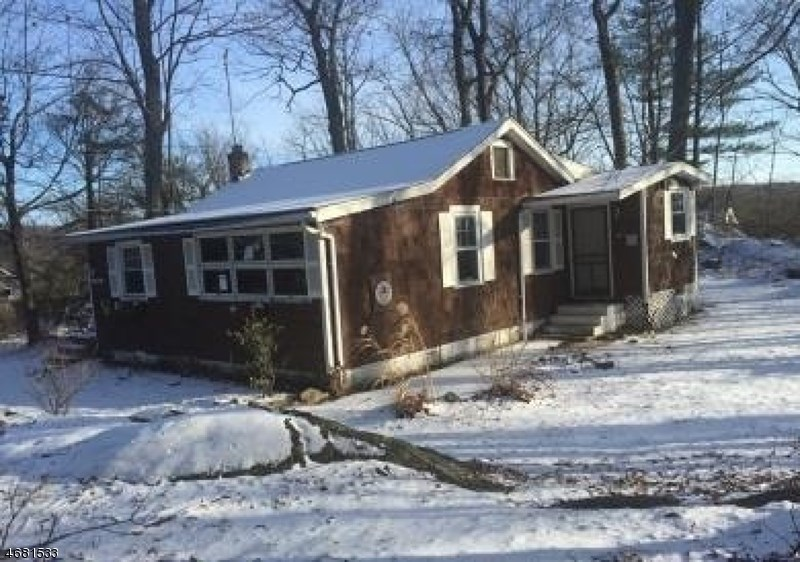2 Milton Court, Hewitt, NJ 07421