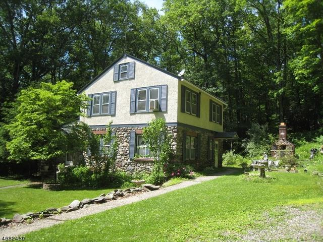 26 Stony Brook Rd, Blairstown, NJ 07825