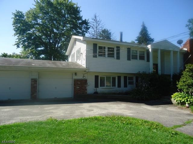 36 Lakeside Rd, Hewitt, NJ 07421