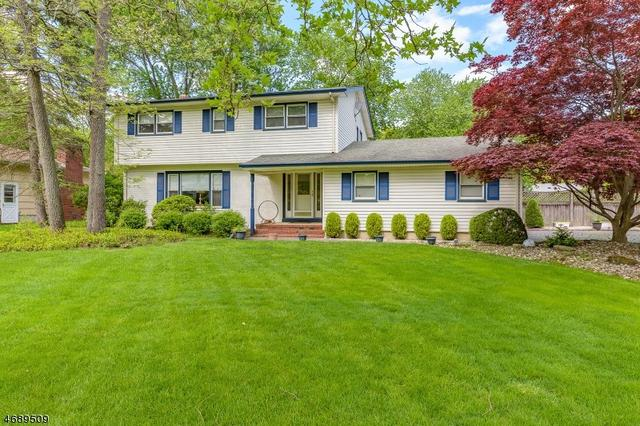 54 Canterbury Dr, Scotch Plains, NJ 07076