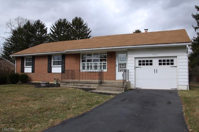 701 Charles Rd, Phillipsburg, NJ 08865