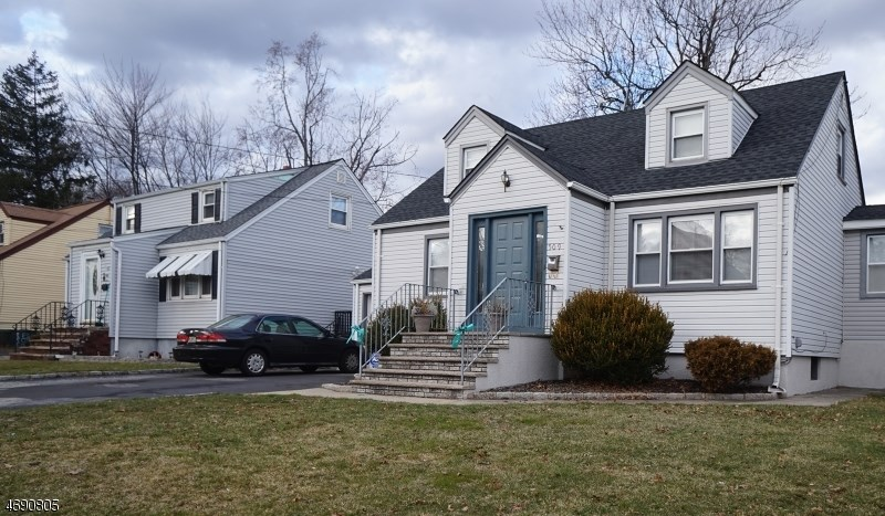509 E 2nd Ave, Roselle, NJ 07203