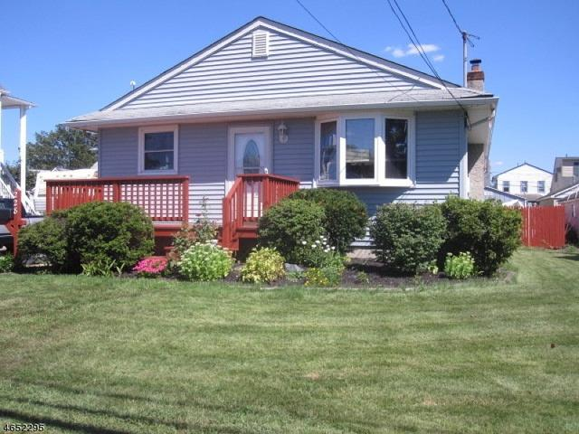 228 N 10th Ave, Manville, NJ 08835