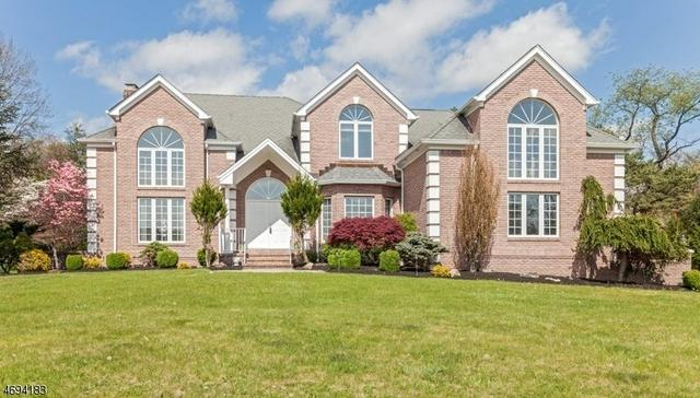 31 Beacon Hill Dr, Chester, NJ 07930