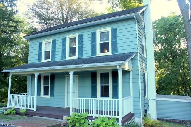 31 Washington St, Columbia, NJ 07832