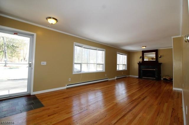 951 Cedar Dr, Newton, NJ 07860