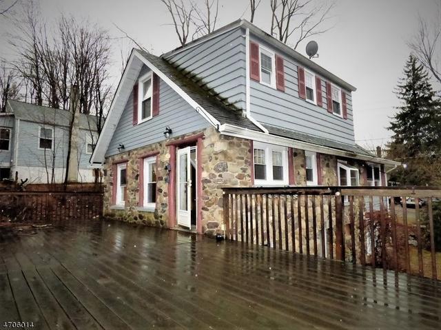 18 Bushwick Ln, West Milford, NJ 07480