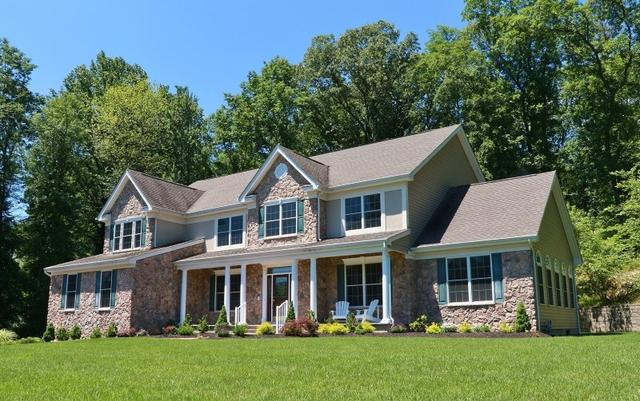 5 Poplar Ct, Randolph, NJ 07869