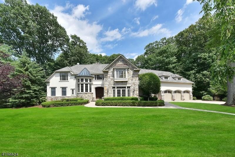 104 Evergreen Ct, Franklin Lakes, NJ 07417