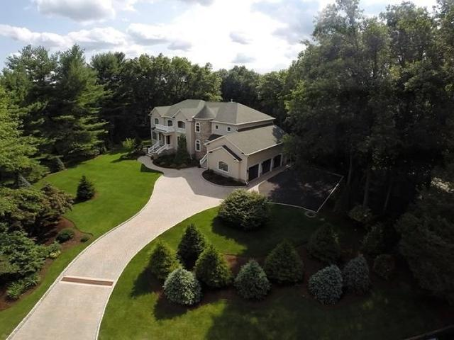 133 Helen Ct, Franklin Lakes, NJ 07417