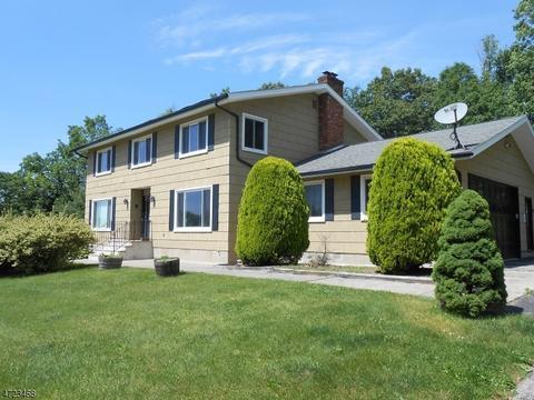 40 Hillsdale Dr, Sussex, NJ 07461