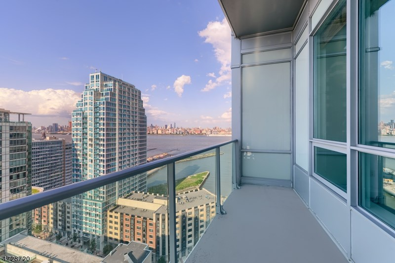 20 Newport Pkwy #2712, Jersey City, NJ 07310