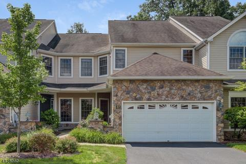 81 Winged Foot Dr, Livingston, NJ 07039
