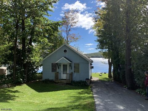 Greenwood Lake Ny Single Family Homes For Sale 64 Listings Movoto