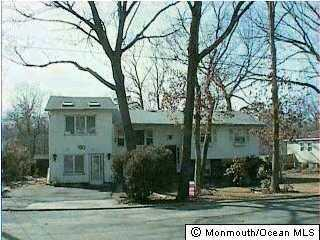 180 Seminole Dr, Lakewood, NJ 08701