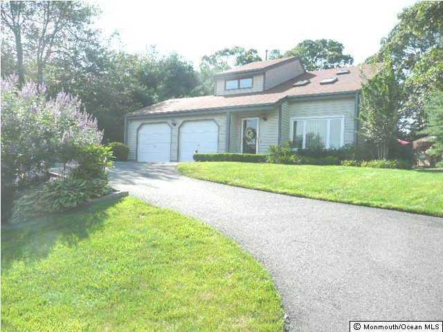 637 Knollwood Ter, Brick, NJ 08724