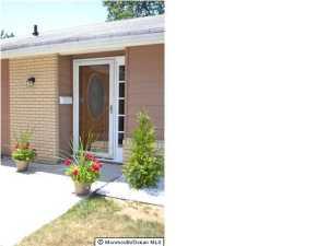 176 Newport Rd #APT b, Monroe Township NJ 08831