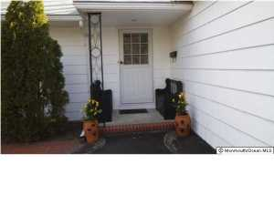 650 Oceanview Rd, Brielle, NJ