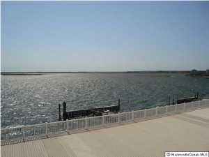 401 Bay Shore Dr #APT 16b, Barnegat, NJ