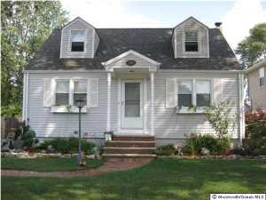 716 Pershing Ave, Middlesex NJ 08846