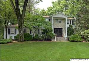 1 Churchill Ct, Morganville, NJ
