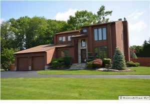 24 Manor Ct, Englishtown, NJ