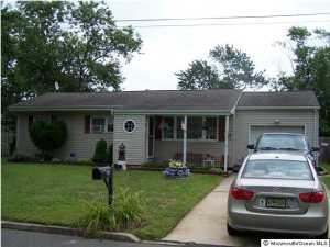 943 Hunt Dr, Toms River, NJ