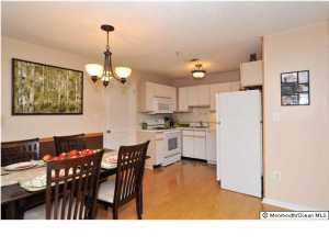 305 Prestwick Way Edison, NJ 08820
