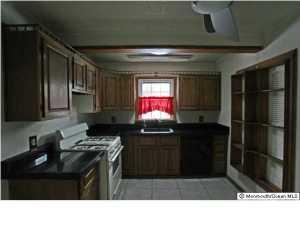 916 Bellwood Dr, Toms River NJ 08753