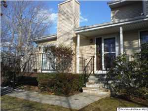 40 Poplar Ct #APT c, Brielle, NJ
