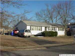 817 Westfield Dr, Toms River, NJ