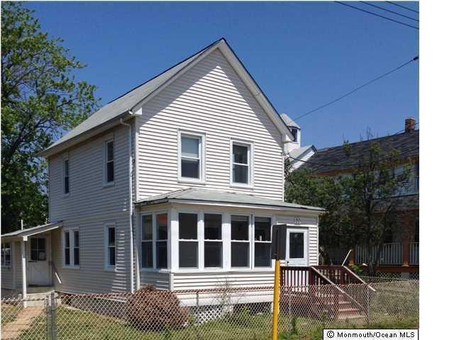 20 Miller St, Highlands, NJ 07732