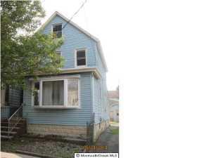 29 Charles St Carteret, NJ 07008