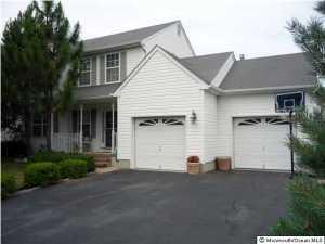 76 Shenendoah Rd, Howell, NJ