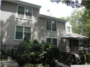 16 Chestnut Ct #APT c, Brielle, NJ