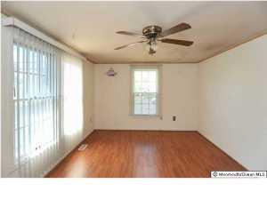 309 Kettle Creek Rd, Toms River NJ 08753